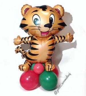 "Фигурка ""Новогодний Тигр"" на подставке из шаров"